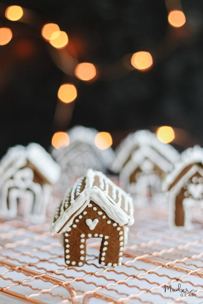 how to make mini gingerbread houses