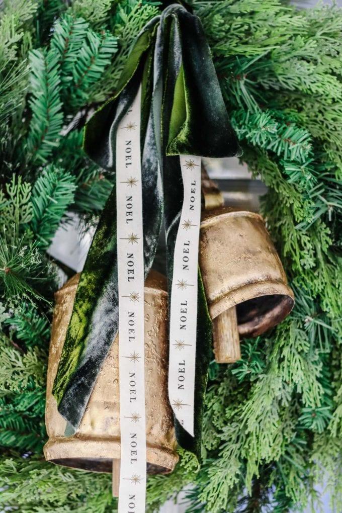 how to make a minimalist wreath