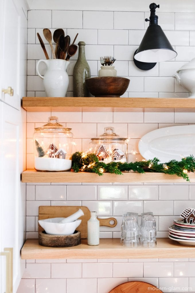 how to tastefully decorate for christmas