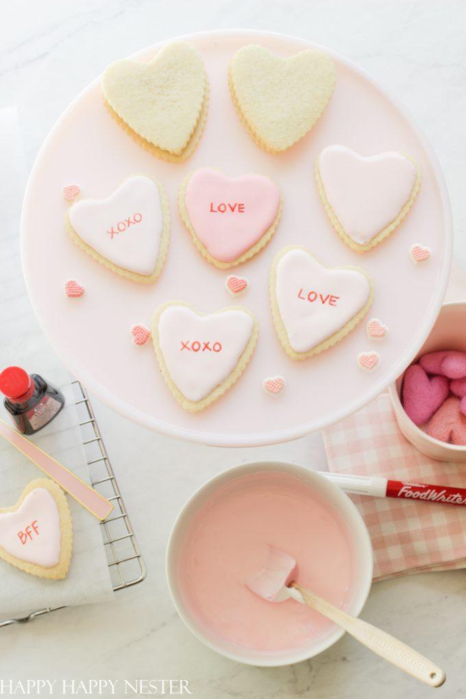 valentine's day sugar cookie decorating