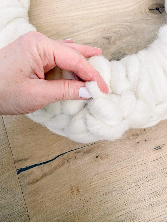 how to crochet a wreath