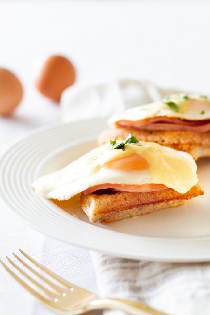 waffles egg benedict
