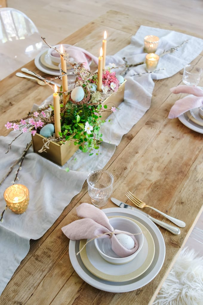 simple easter table setting