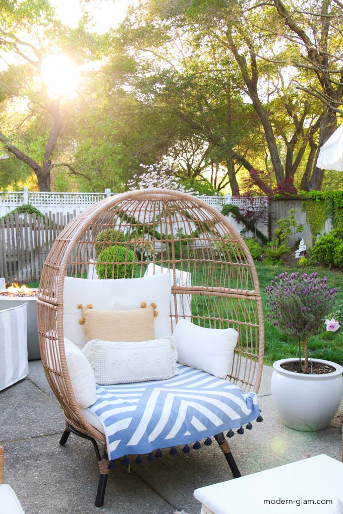 how to create and outdoor living space