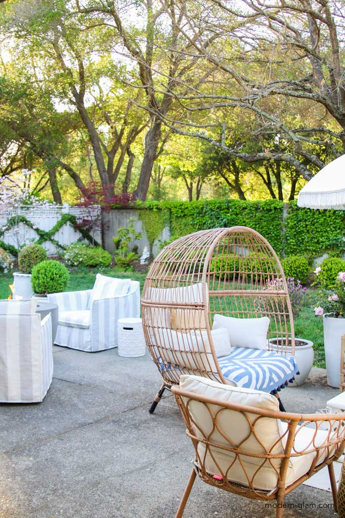 how to create an inviting outdoor patio