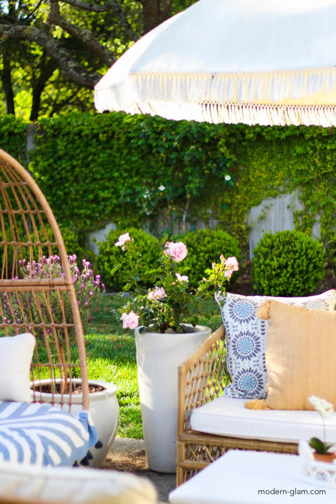 how to plan an outdoor living space