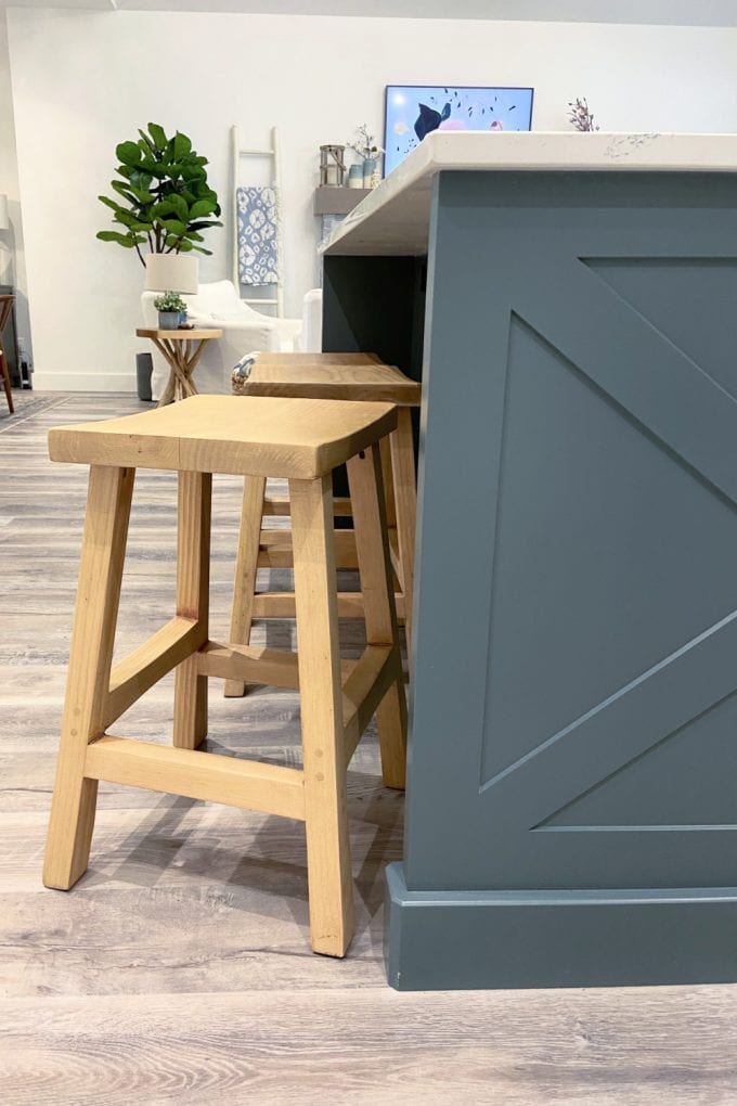 how to upcycle barstools
