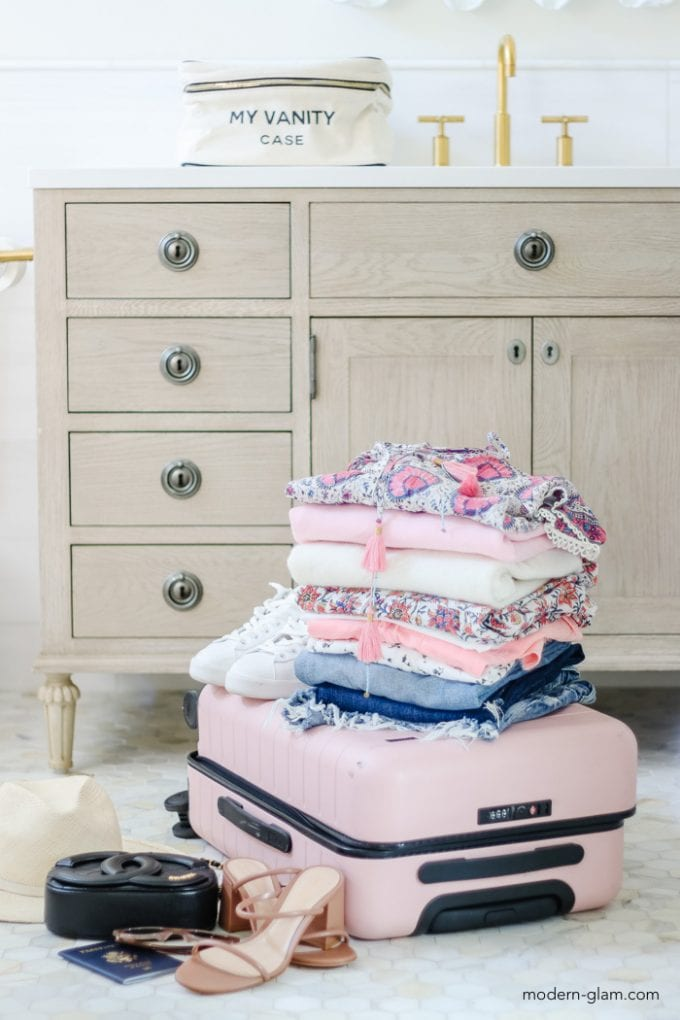 how to pack a carry-on for a 7 day trip