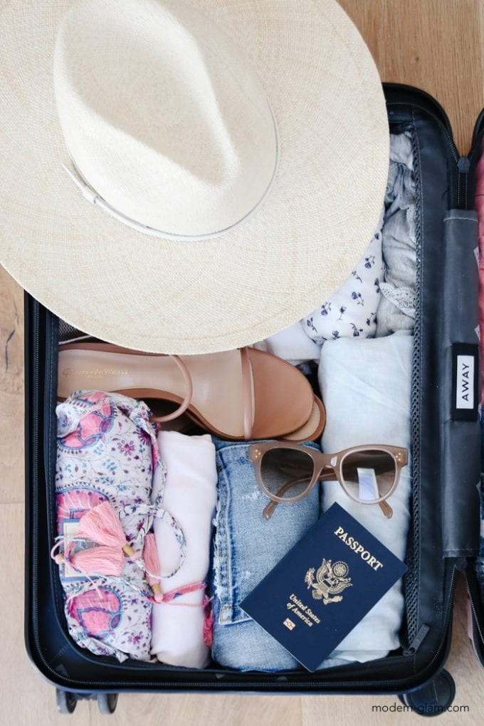 how to pack your suitcase to maximize space
