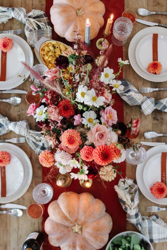 thanksigiving centerpiece with pumpkins