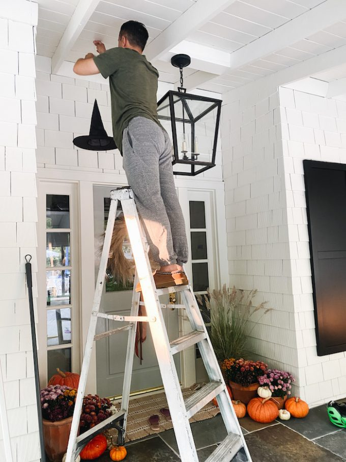 how to hang witches hats as lanterns